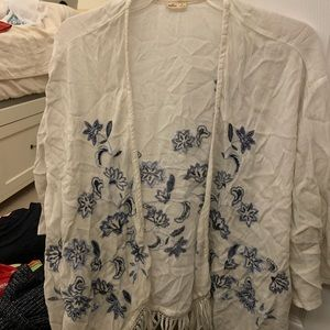 white blue floral cover up. Can fit XS-M